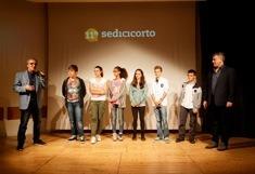 5-2 I partecipanti ai laboratori con Claudio Tedaldi (sinistra)