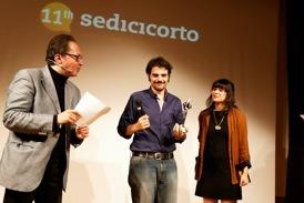 8 Valerio Vestoso riceve il premio Cortitalia