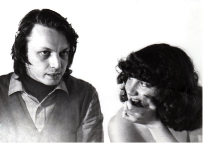 Giorgio Sabbatini spiega le azioni che Silvia Rossetti dovrà mimare nel film sperimentale Visione